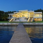 Art Collector Controls Waterfront Home With ELAN